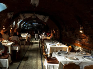 restaurant-in-a-cellar
