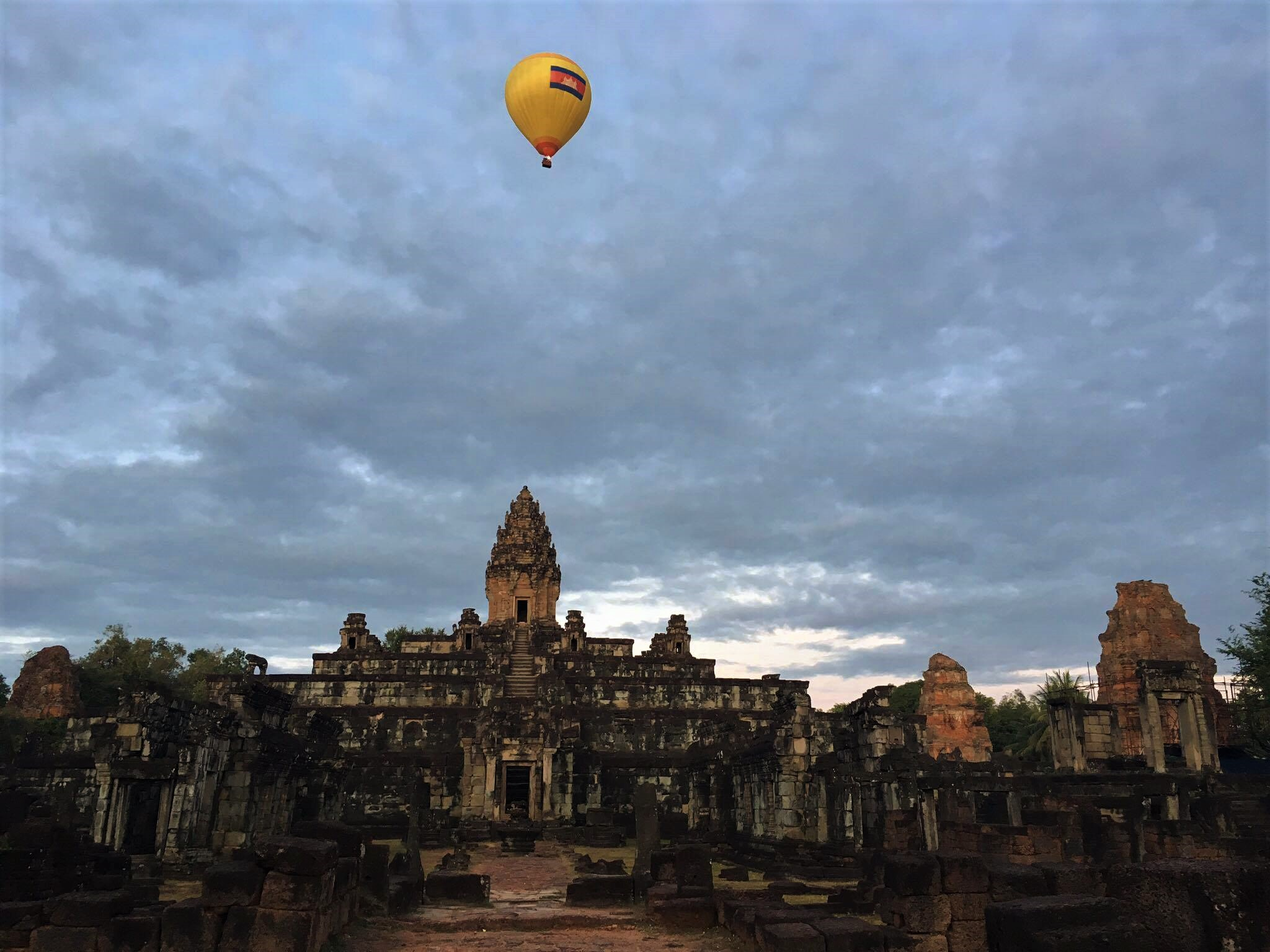 Hot Air Balloon at Bakong Temple